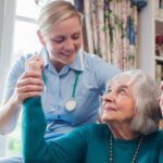 Manage Your Arthritis the Natural Way - With the Help of In-Home Physical Therapy